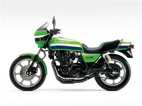 Kawasaki Eddie Lawson by Kawasaki Z 1000 R Eddie Lawson Replica 1982 Agora Moto