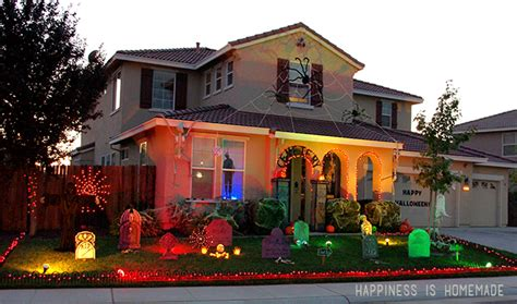 decorated homes for halloween thirteen houses who have already won halloween popcorn horror