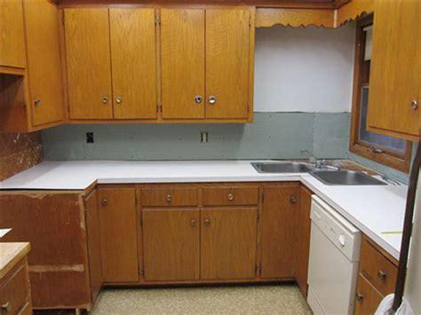 ideas  repaint rebeccas faded wood kitchen cabinets retro renovation