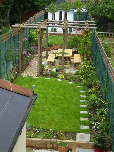 narrow backyard design ideas 25 best ideas about narrow garden on pinterest small
