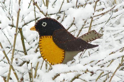 pattern for a felt robin longing for spring felt robin ornament downeast thunder farm