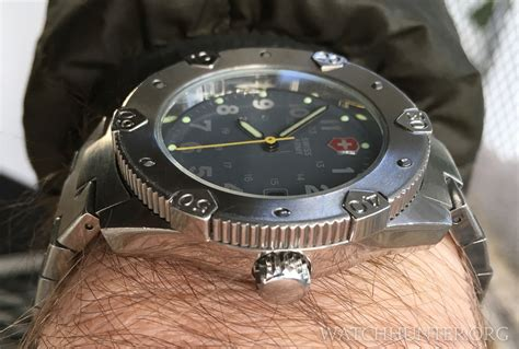 meet the victorinox swiss army lancer 200 quot home