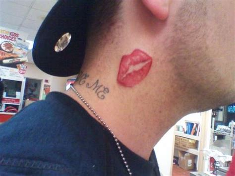 Lips Tattoo For Man | 15 cool kiss tattoos desiznworld