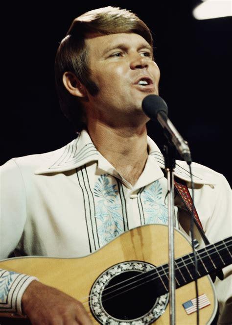 country music singer glen cbell glen cbell s daughter ashley details dad s declining