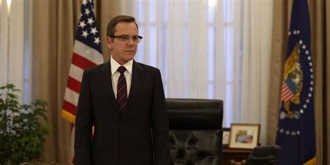 designated survivor kiefer sutherland glasses designated survivor eps 1 2 review keifer sutherland