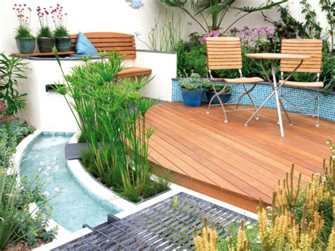 kleine gärten anlegen wasserspiele im garten ideen f 252 r moderne gartengestaltung