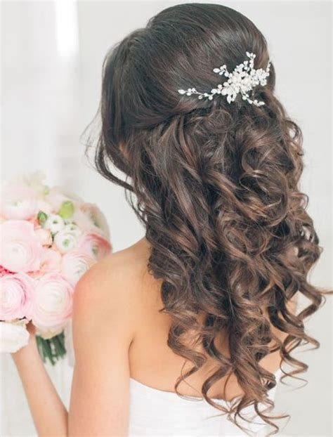jaw dropping curly wedding hairstyles 2018 for your big
