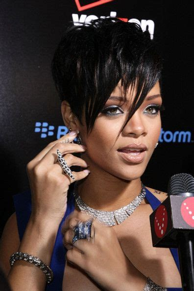 rihanna hairstyles bob haircut makes its debut on ellen todaycom best 25 edgy short hair ideas on pinterest edgy bob