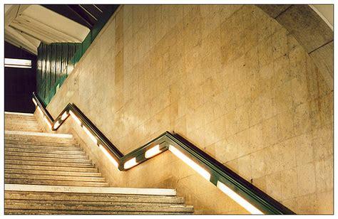 treppe an der wand wand und treppe plus gel 228 nder foto bild architektur