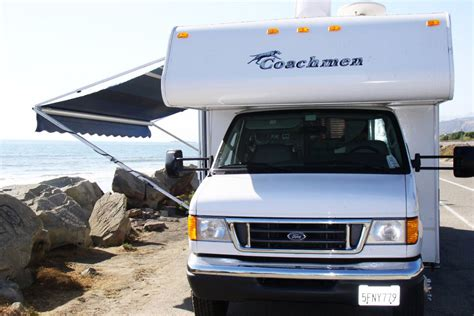 Vacation RV Rentals   Class C 28 Foot RV Rental with Slide Out
