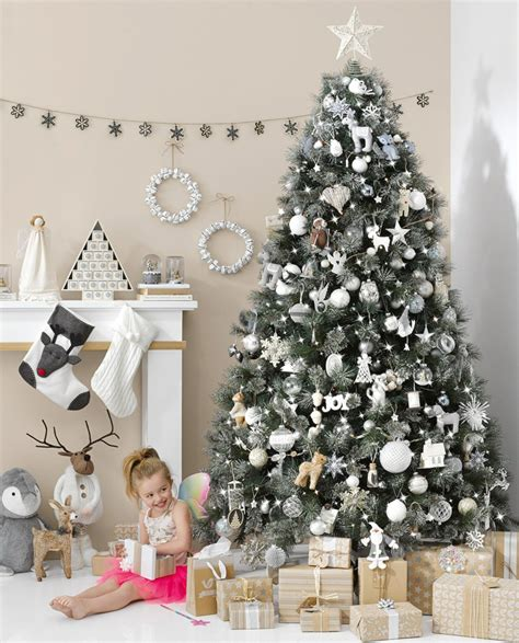 christbaum modern schmücken 38 weihnachtsdeko ideen mit skandinavischem flair