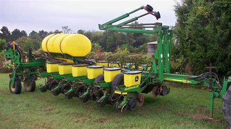 Deere 1770 Planter by 2006 Deere 1770 Planting Seeding Planters