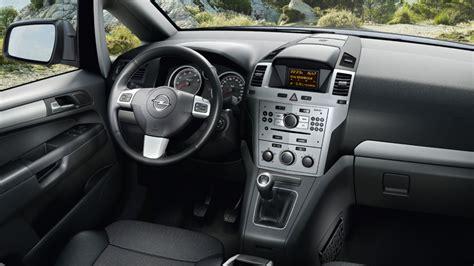 opel zafira 2015 interior opel zafira tourer das familienauto mit bis zu 7 sitzen