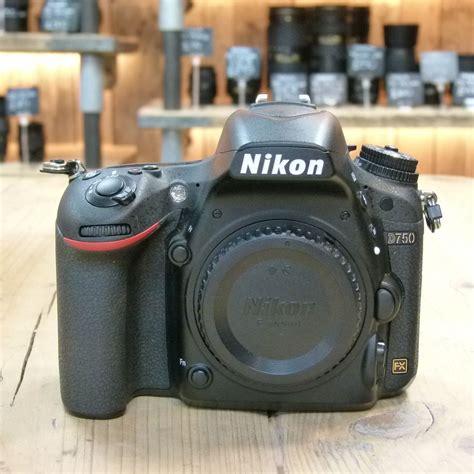 nikon  digital slr camera body  cameras