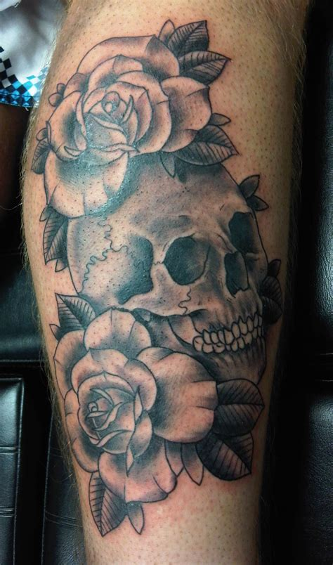 awesome skull tattoos awesome grey ink skull and tattoos on leg
