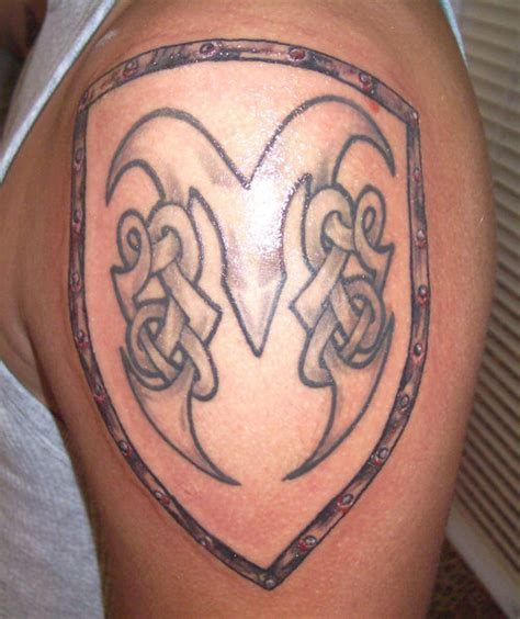 shoulder shield tattoo celtic shield on shoulder tattooshunt