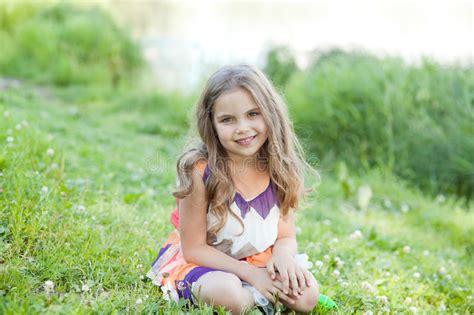 фото девочка маленькая на пляже