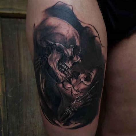 tattoo kissing images tattoo woman kissing a skull ideas tattoo designs