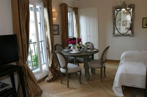 studio apartment dining table studio apartment to rent near the eiffel tower