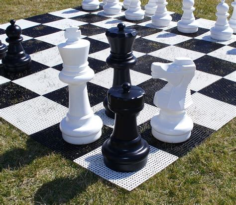 join  fun   giant chess pieces  yard park