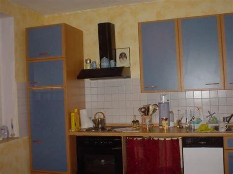 weiße traditionelle küche wohnzimmer regal dekorieren