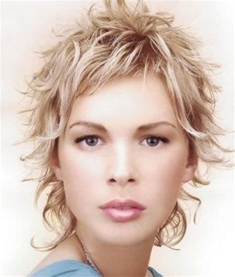 short shaggy hairstyles for wavy hair curly shaggy hairstyles for women