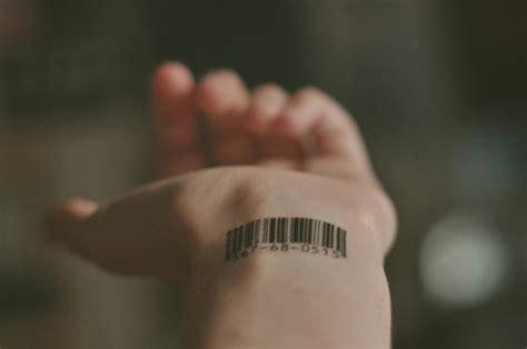 barcode tattoo finger barcode hand tatoo image 418338 on favim com