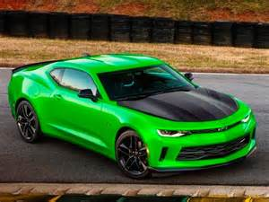 2017 chevrolet camaro 1le to offer v6 and v8 power