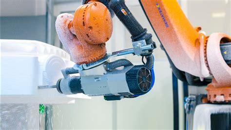 kuka milling robot produces sculptures  studio