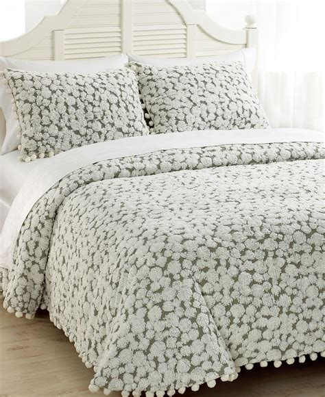 macy s bedding clearance macy s tufted chenille bedspread city living pinterest