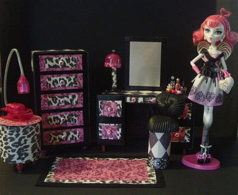 Diy Monster High Doll House On Pinterest Monster High Dolls Monster High And