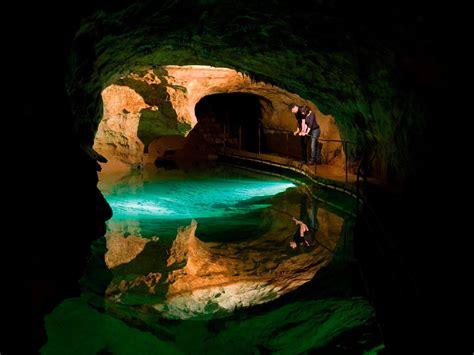 One Storey House Jenolan Caves Tour Blue Mountains Tour Gray Line