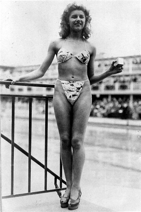 Dave Barnes Ups Bathing Suits The 1940 S 1940 1949 Fashion History