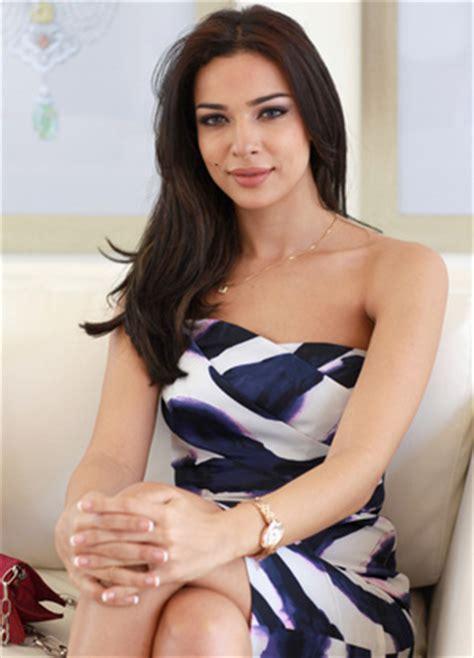 Gamis Yasmin By Al Arabian miss l 237 bano 2004 doblar 225 a lara al 225 rabe en