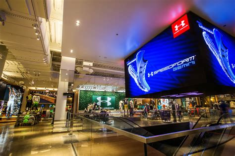 under armour brand house under armour camo and willie robertson descend on chicago petersen s hunting