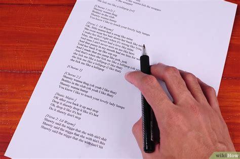 scrivere un testo rap come scrivere il testo di una canzone rap o hip hop