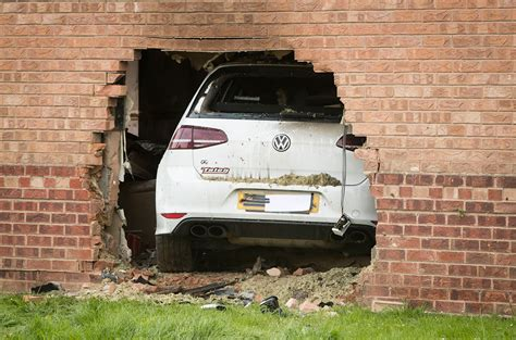 car crashes into house video and pix car crashes into a house in york yorkmix
