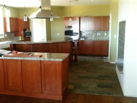 kitchen cabinets and flooring combinations kitchen cabinets and flooring combinations 11 decorelated