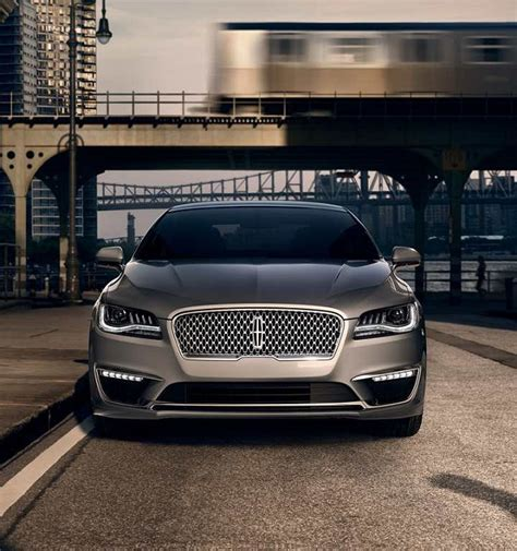 lincoln will offer hybrid versions of all its models by