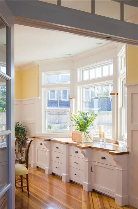 sherwin williams moon coastal home with inspiring interiors home bunch interior design ideas