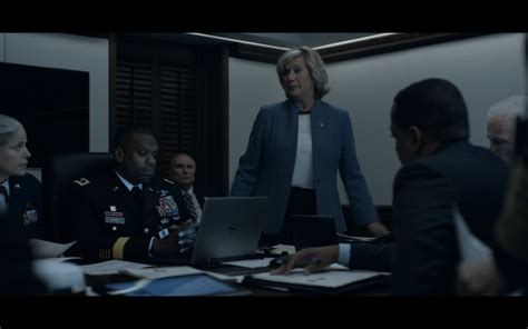 house of cards show dell notebook house of cards tv show scenes