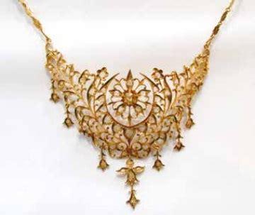 Aksesories Henna Mutiara Singapura Stories Fom Feature Popular Jewellery