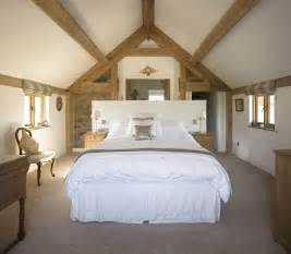 Decorating Ideas For Vaulted Ceiling Bedroom Border Oak Oak Vaulted Ceiling Bedroom