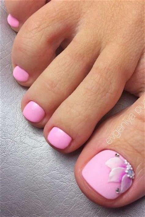 summer toe colors summer toe nail designs you ll fall in with