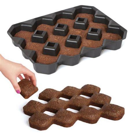 Maxi Gamis Brownis brownie pan that make brownies with max crispy edges geekologie