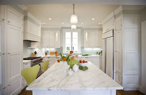 White Paneling In Kitchen by Gray Raised Panel Kitchen Cabinets Design Ideas
