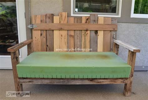 Patio Furniture Wood Pallets Wood Pallet Patio Furniture Plans Recycled Things