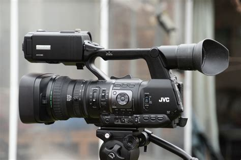 cameri news review jvc gy hm650 the camcorder for news and journalism