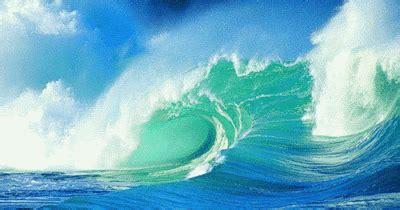 gambar animasi air laut  ombak gambar animasi gif