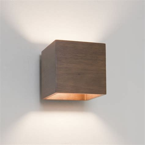 Dining Room Light Fixtures Ideas by Wooden Wall Lights Fit Perfectly To The Interiors Of